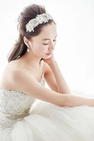 可愛い綺麗!Aライン・プリンセスドレスに似合うポンパドールの髪型参考♡