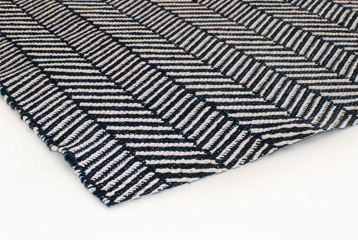 Vloerkleed Nova kunststof zwart-wit 130x70cm