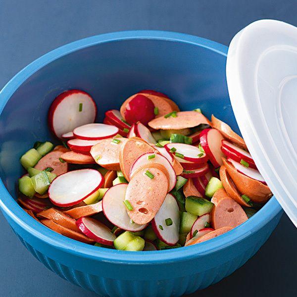 Wiener-Würstchen-Salat mit Radieschen