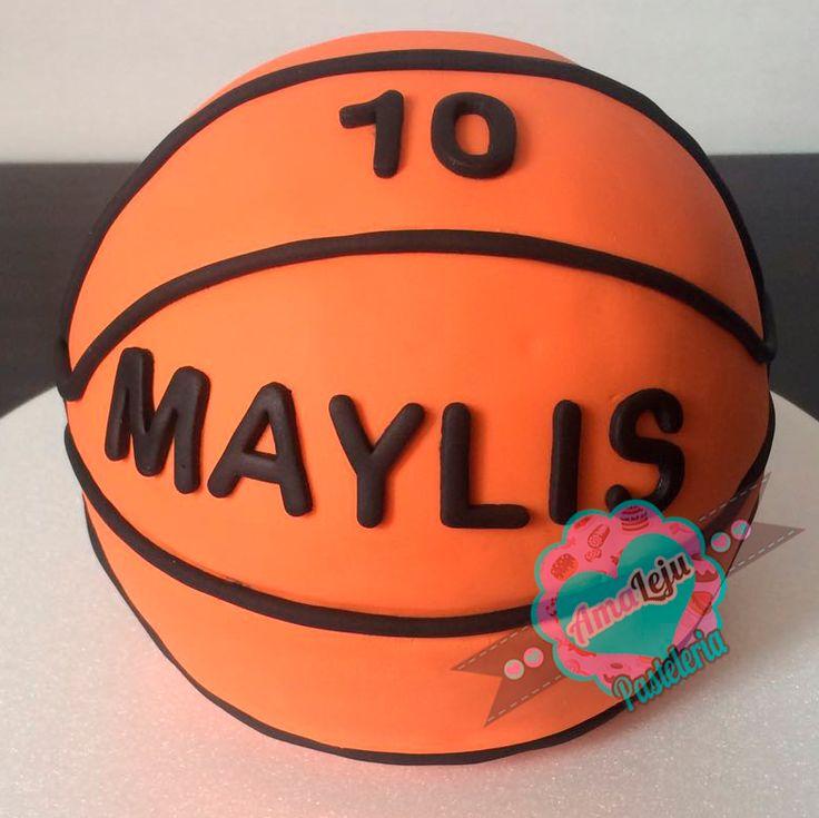 Torta Baloncesto Realiza tu pedido por; https://goo.gl/mvYBYv WhatsApp: 3058556189, fijo 8374484  correo info@amaleju.com.co Síguenos en Twitter: @amaleju / Instagram: AmaLeju #baloncesto