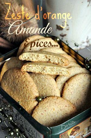 Des cookies très parfumés aux saveurs de Noël... Ingrédients pour 22 cookies 180 gr de farine de blé 50 gr d'amande moulue 30 gr de son d'avoine 1 oeuf 100 gr de beurre mou 70 gr de sucre roux 1 sachet de sucre vanillé 1/2 cc d'épices à pain d'épices...
