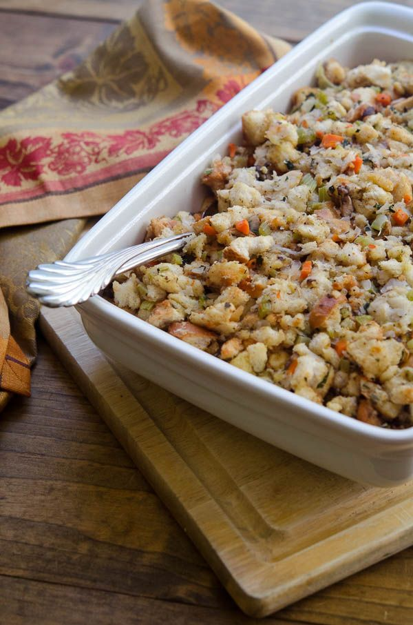 Classic-Bread-Stuffing-eHow