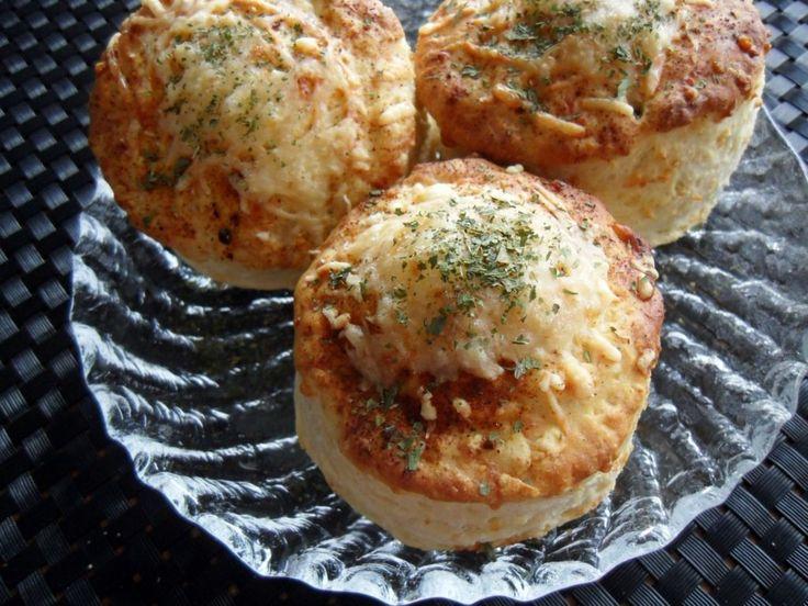 Tuoreet juustoskonssit maistuvat varmasti aamupalla! Käyttäjältä kotikokki44.