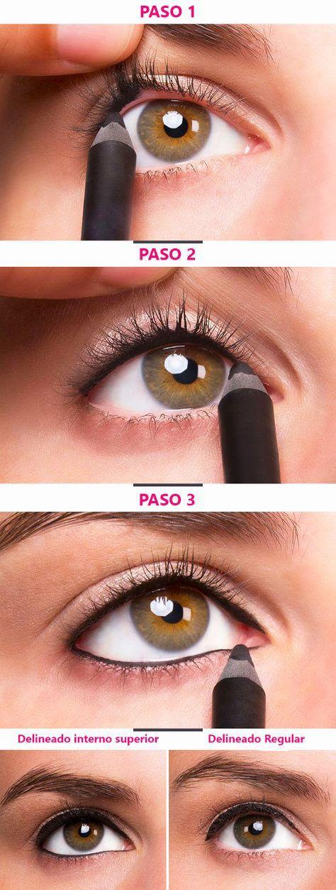 Chica mostrando paso a paso el delineado de ojos de la parte superior del ojo