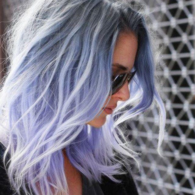 Cheveux violet pastel