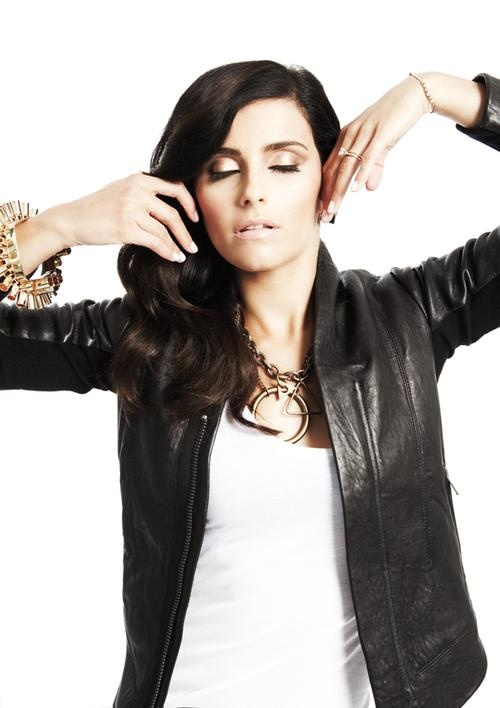 Nelly Furtado - jacket and golden colours