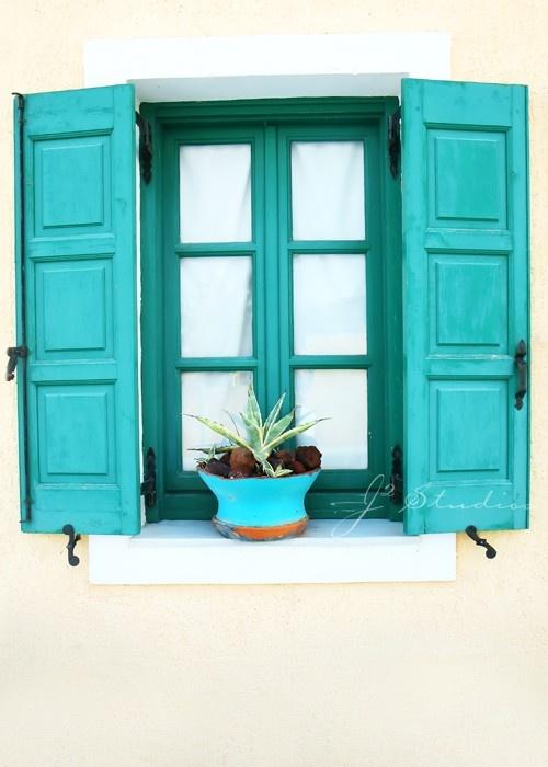 vivid monochrome #windows #aqua #turquoise