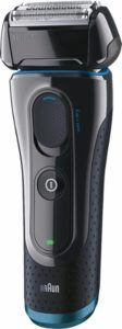 This Braun Series 5 5040 shaver features a pivoting shaving head that adjusts to the contours of your face, enabling you to achieve a close shave. Wet