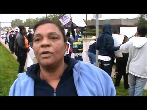 #ObamaPhone has been trending on Twitter after this video: Obama Voter Says Vote for Obama because he gives a free Phone