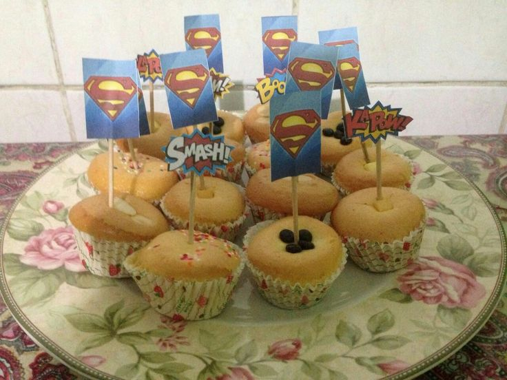 #birthdayparty #superman #supermanpartytheme #cake #cupcake