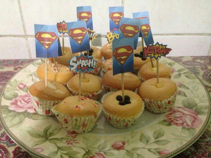 #birthdayparty #superman #supermanpartytheme #cake #cupcake