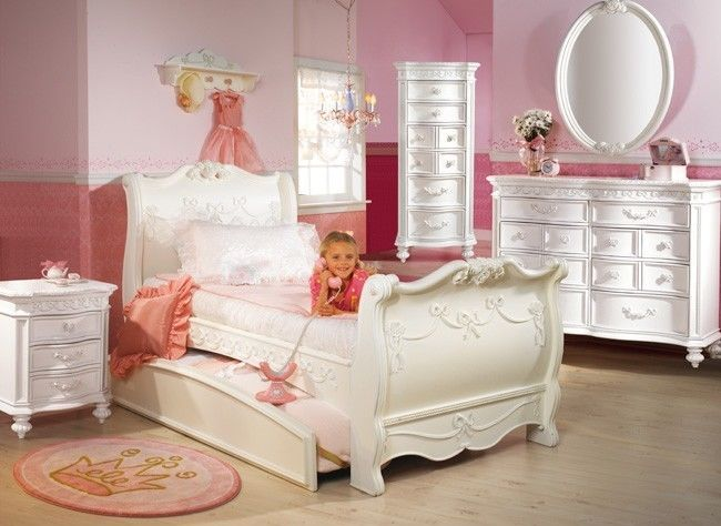 Disney princess 5 piece full sleigh bed bedroom set for Princess style bedroom furniture