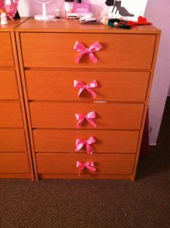 Decorating Dresser Handles With Bows