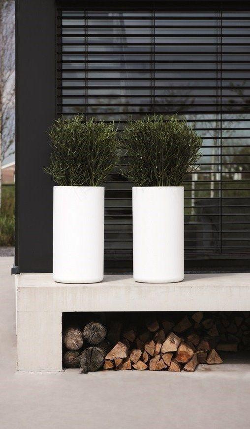 Concrete, black & white | outdoor