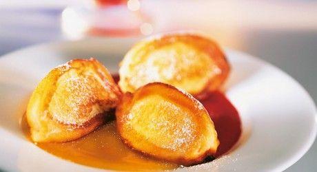 Frittelle di ricotta con salsa di mango e frutti di bosco | Ricette