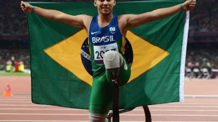 Alan Fonteles levou ouro pelo atletista nas Paralimpíadas