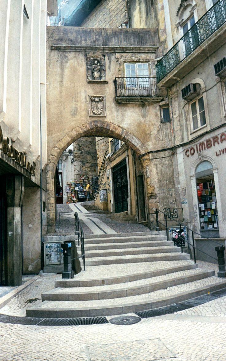 Coimbra -  Rincón Coimbra é uma canção de sonhos e tradições