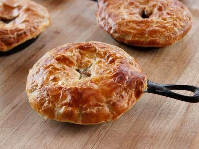"Beef Pot Pies (Never Enough Puff) - ""The Pioneer Woman"", Ree Drummond on the Food Network."