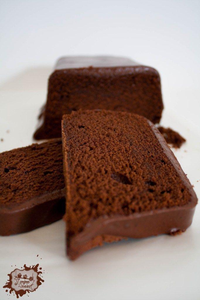 Un Cake bien moelleux à la texture dense et au gôut fort en chocolat!