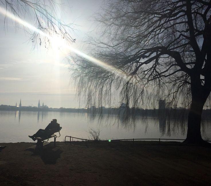 Frühling in Hamburg an der Außenalster. #Frühlingsgefühle #VerliebtesPärchen