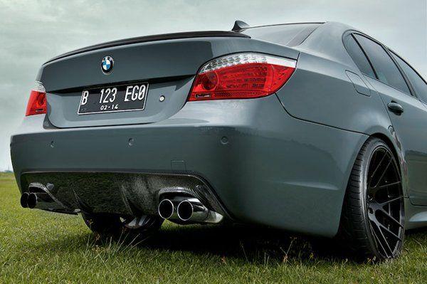 BMW 530i (E60)