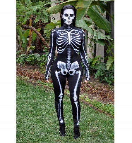Kim Kardashian déguisée en squelette