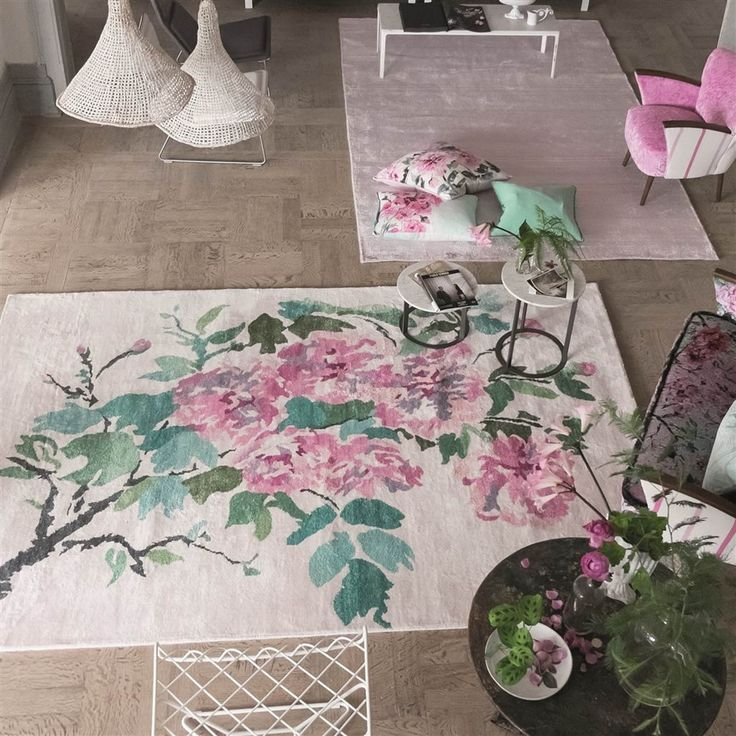 Shanghai Garden Peony Rugs By The Leading Uk Furnishing Brand Designers Guild Features A Exquisite Bloom Of Oriental Fuchsia Pink And Lime Green Flowers Lay