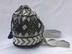 #Häkelanleitung Rucksack - passt immer https://www.crazypatterns.net/de/items/17426/rucksack-geometrisches-muster