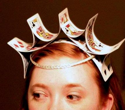 playing cards,alice in wonderland | Alice in Wonderland Party / Queen of Hearts crown, made out of playing ...