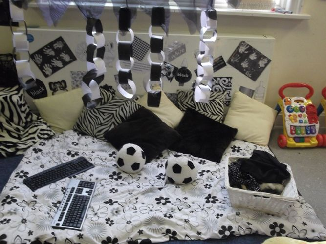 Baby room black and white area
