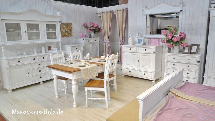 Wohnen mit Charme weißer Landhausmöbel - genau das Richtige für alle Landhaus-Verliebte!  #massivholz #Charme #wohnen #Landhaus #Landhausmöbel #weiss #home #einrichten #countrystyle #shabbychic