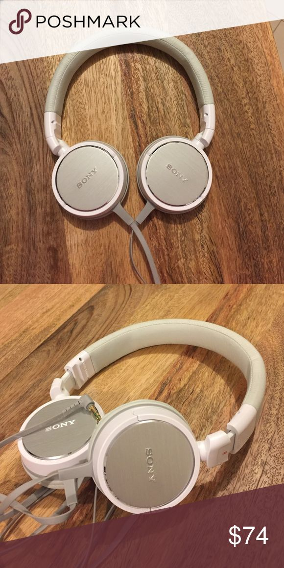 Sony MDR ZX600/Over-Ear Headphones - White Sony/Over-Ear/Wired Headphone. Incredible audio with these fashion headphones. In great condition. Sony Other