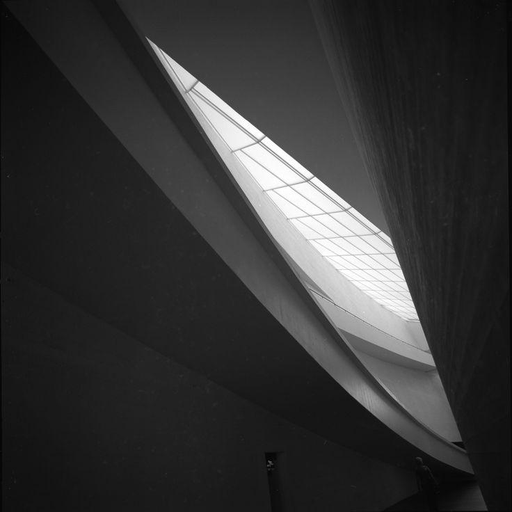 Kiasma Museum, Helsinki, 2001. © Eric Sierins photo.