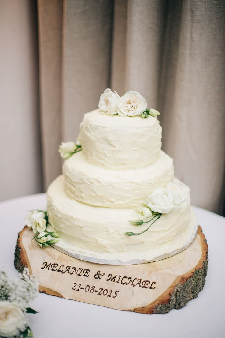 Let them eat cake rustic wedding chic - A Naomi Neoh Gown For A Romantic Handmade And Rural Cripps Barn Wedding