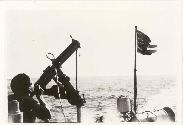 Motiv: Vannavkjølt Colt mitraljøse om bord i torpedo-båt 2.klasse mars 1940 @ DigitaltMuseum.no