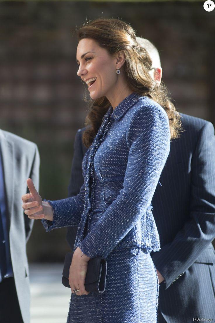 Kate Middleton, duchesse de Cambridge, inauguré la Maison de parents Ronald McDonald de l'hôpital pour enfants Evelina à Londres le 28 février 2017.