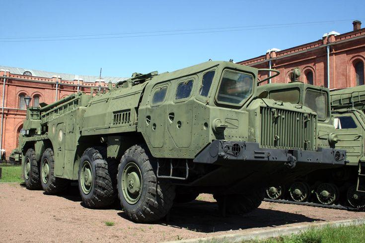 Белорусские богатыри: армейские тяжеловозы МАЗ | 5koleso.ru Самый известный МАЗ-543, носитель ракеты Р-17, известной в мире как Scud-B
