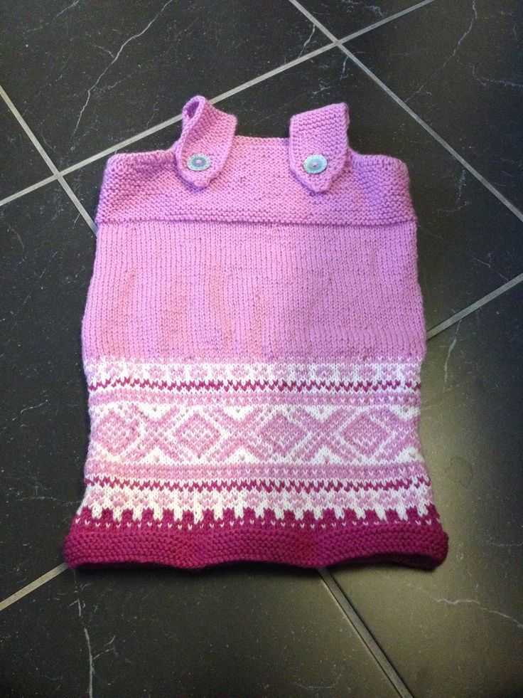 Knitting dress.