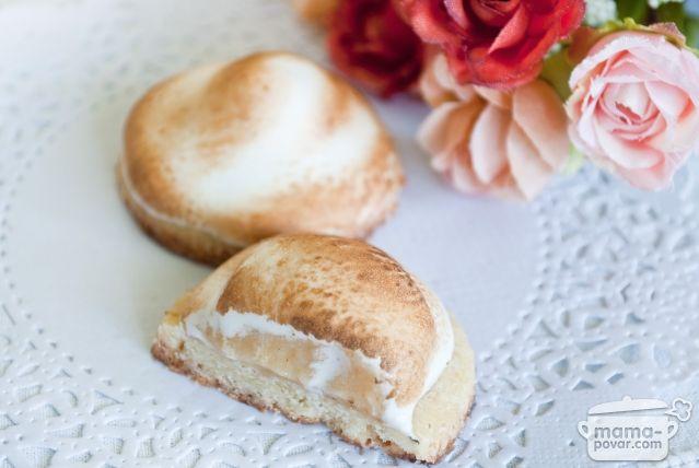 Песочное печенье с лимонным курдом под шапочкой безе