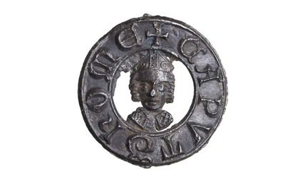 Pilgrim badge from the shrine of St Thomas Becket at Canterbury Cathedral. This badge has a circular frame bearing the words 'CAPVT THOME', meaning 'Thomas's head'. In the centre is a depiction of the head-shaped reliquary bust that held the remains of Becket's skull.Pilgrim Badges, Capvt Thome, Pilgrimage Badges, Reliquary Bust, Canterbury Tales, Canterbury Cathedral, Frames Bears, Circular Frames, Thomas'S Head