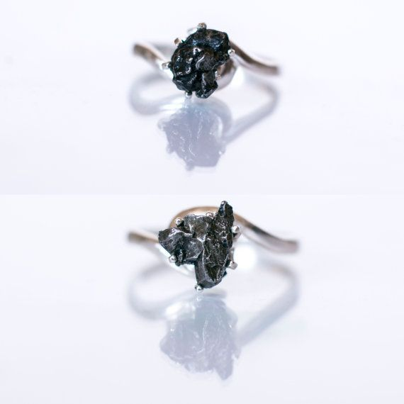 "Meteorite Ring with Sterling Silver and Campo del Cielo - Engagement Ring ""Josephine"""