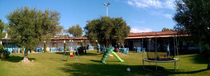 panorama con vista del ristorante all'aperto e giochi per bambini - property panoramic view children play ground