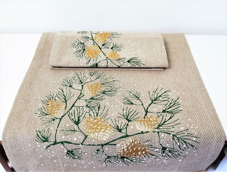 Decorative Linen Cotton Christmas New Year Fir Cone Table Runner & 6 Place Mats. Enhance your Xmas Table this this beautiful Set. by CozyHomeOlly on Etsy