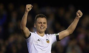 Valencia rally against Espanyol to give Gary Neville first La Liga win