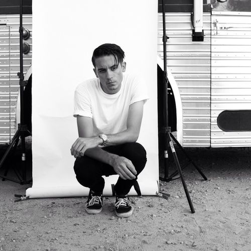 g eazy is always perfection with his super simple greaser style