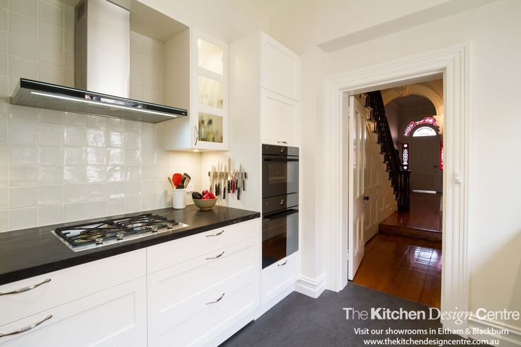 A traditional kitchen for a terrace house built in 1885. Sensitive to its environment yet filled with all the modern conveniences.  www.thekitchendesigncentre.com.au @thekitchen_designcentre