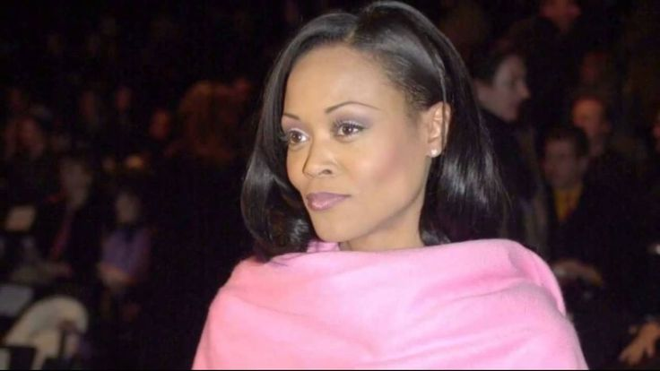 Robin Givens Stomach | Mike Tyson Ex Wife Brad Pitt mike tyson caught ex - wife robin givens ...