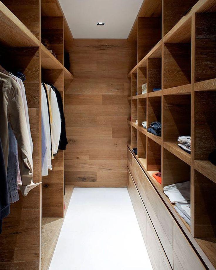 Closet em madeira por Robson Rack Architects