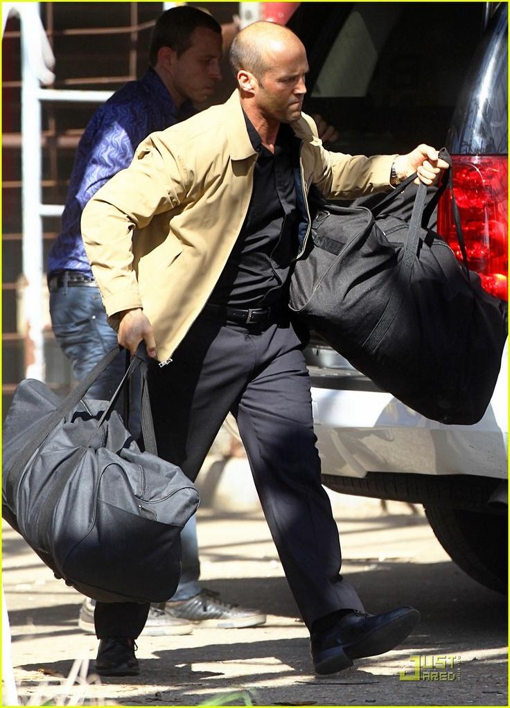 """""""Parker (Jason Statham) es un ladrón profesional que vive con un código personal de ética: no robar de la gente que no tiene mucho dinero, y no herir a la gente que no se lo merece. La película está basada en la serie de novelas bestseller de Donald E. Westlake. 2013 Solo en cines."""