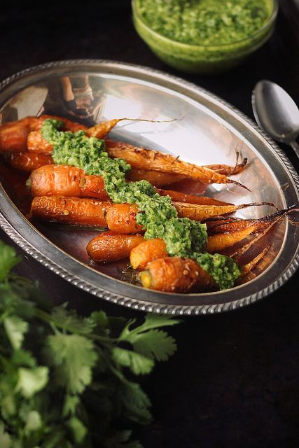Cumin Roasted Carrots with Cilantro Chimichurri // @tastyyummies // www.tasty-yummies.com